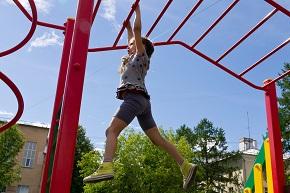 Профилактика приступов астмы у детей с помощью сенсорной сети, контролирующей качество воздуха на детских площадках
